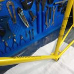 Стальная рама ХВЗ в желтый цвет